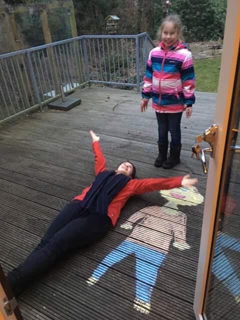Værtsfamilie - piger på terrassen